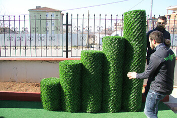 fake grass wall